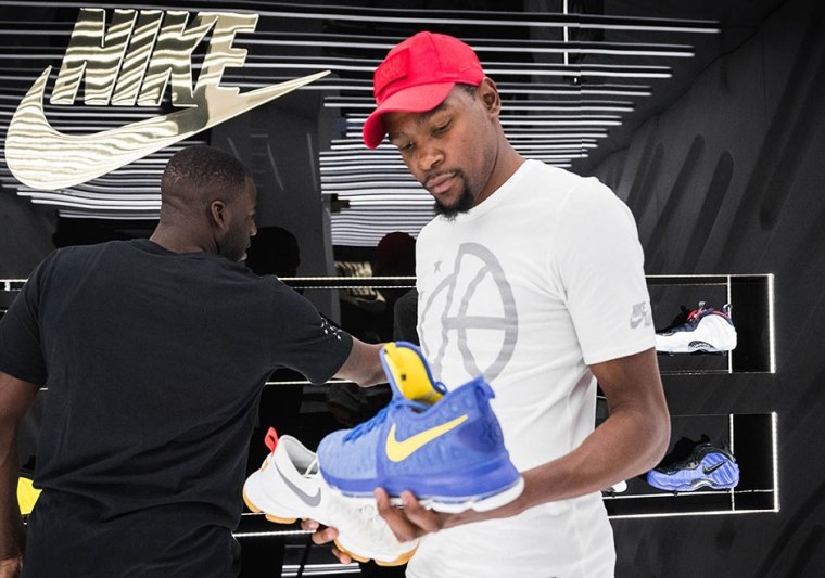 KD-Draymond-snkrs-golden-air-event-3